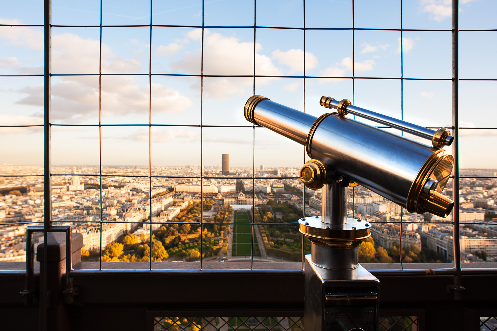14_Eiffel_Tower_Telescope